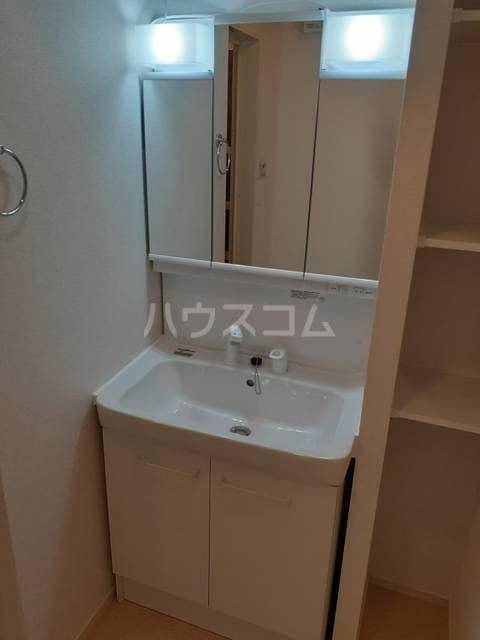 イストワールkita B 02050号室の洗面所