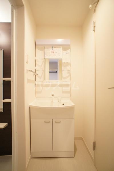 リブリ・朝霞 202号室の洗面所