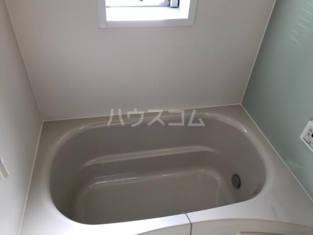 グランディール高山 202号室の風呂