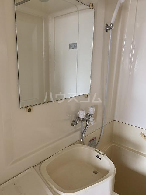長谷川ビルディング 4-B号室の洗面所