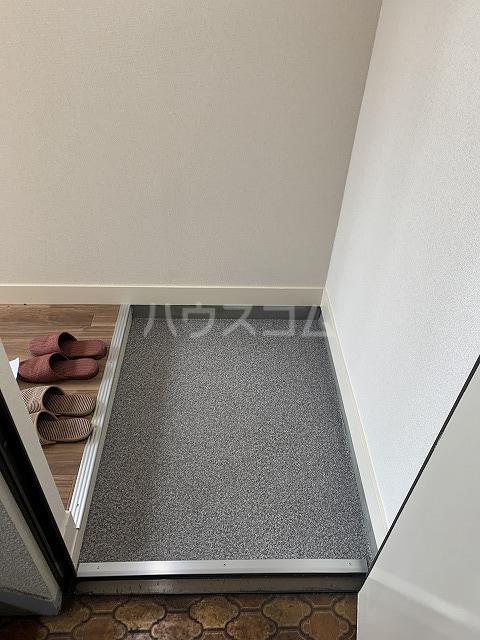 長谷川ビルディング 4-B号室の玄関