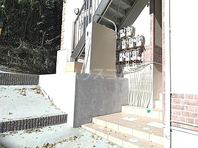 ユナイト日吉クイーン・マカダミア 107号室の庭