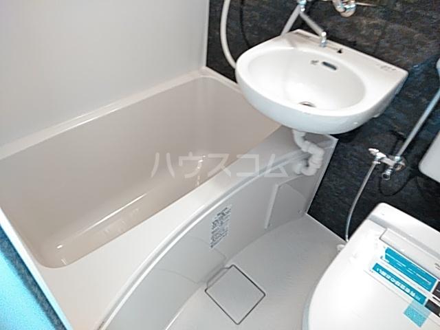 ユナイト日吉クイーン・マカダミア 107号室の風呂