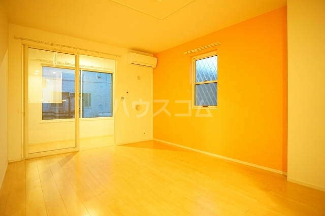 セレノ リコルソ 01030号室のリビング