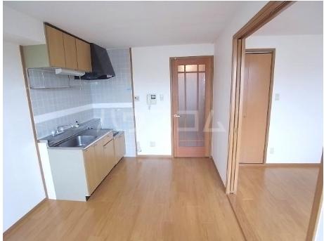 コ-ポ・ラセ-ヌ 02010号室のキッチン