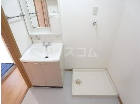 コ-ポ・ラセ-ヌ 02010号室の洗面所