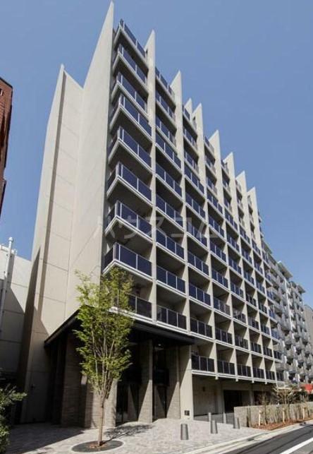 コンフォリア新宿の外観