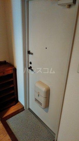 松倉ビル 3-B号室の玄関