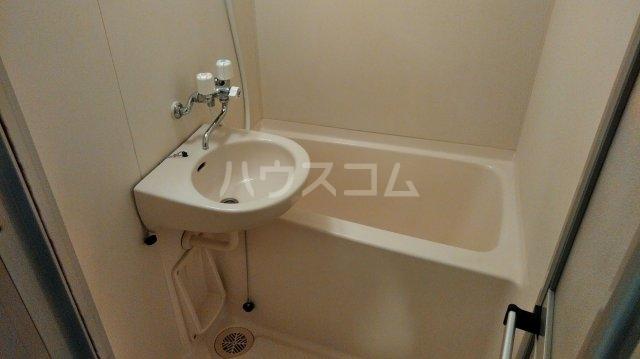 松倉ビル 3-B号室の風呂