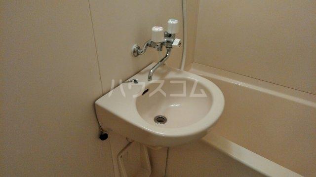松倉ビル 3-B号室の洗面所