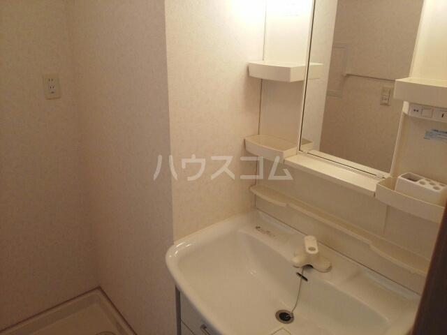 ヤマトハイツC 02020号室の洗面所