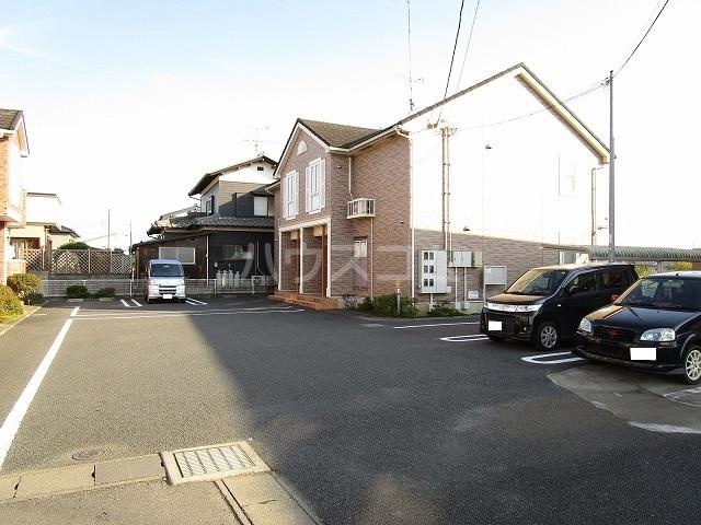 ヤマトハイツC 02020号室の駐車場