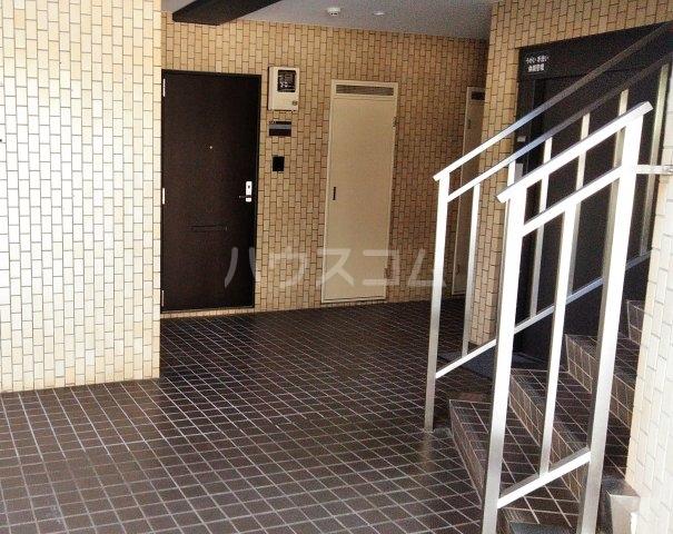 ヴェルドミール寺尾 105号室のエントランス