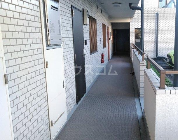 ヴェルドミール寺尾 105号室のロビー