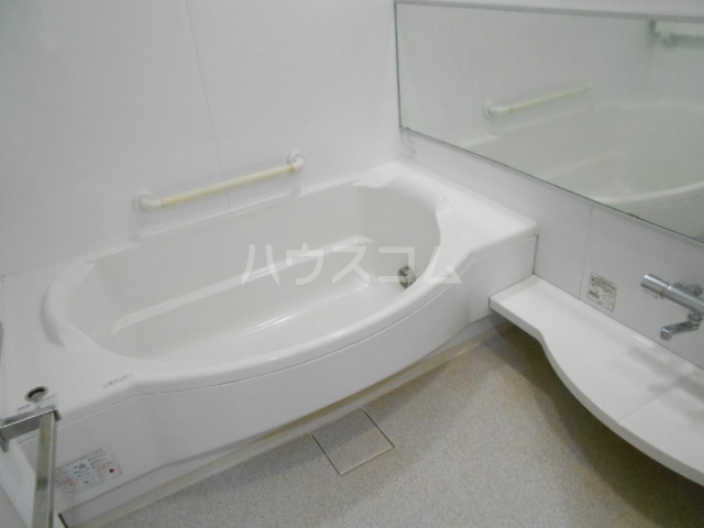 プラウド府中中河原 125号室の風呂