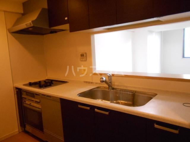 プラウド府中中河原 125号室のキッチン