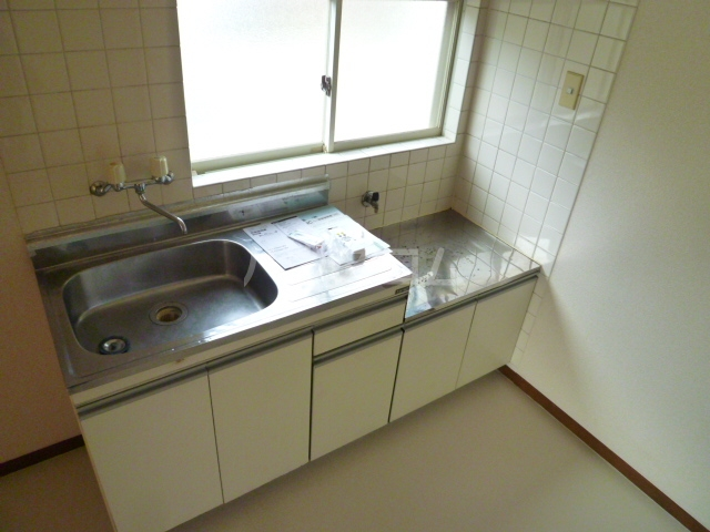 コーポオタキ 202号室のキッチン