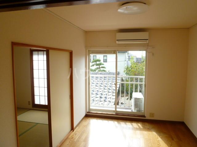 コーポオタキ 202号室のリビング