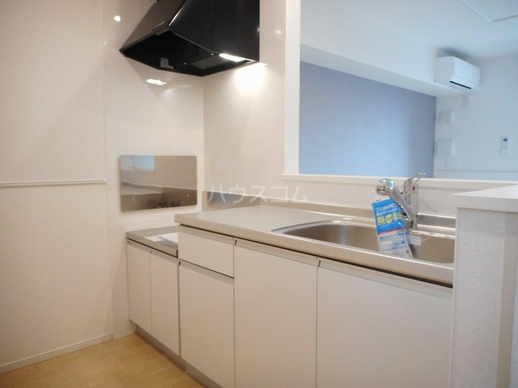 リバティ 15 C 02020号室のキッチン