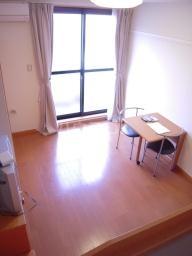 レオパレスマロンハイム 110号室のベッドルーム