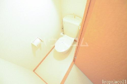 レオパレスマロンハイム 110号室のトイレ