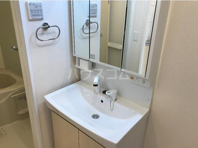 サンライズ 102号室の洗面所