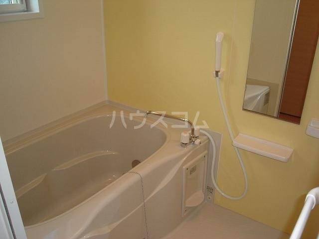メゾンド ソレイユ ブラン 01010号室の風呂