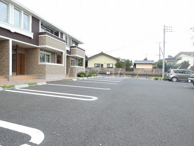 K-TEN Ⅰ 01010号室の駐車場