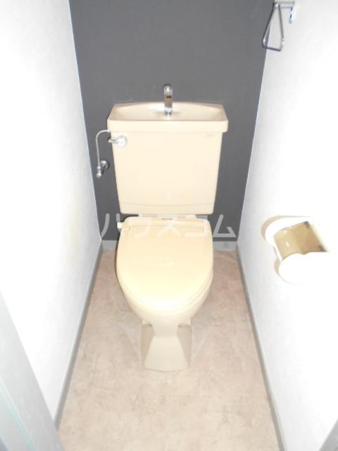 タウンシップ用賀 202号室のトイレ