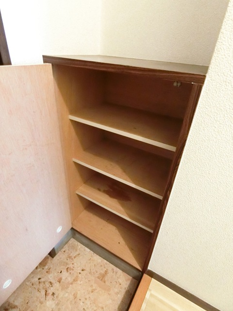 レジデンスコア 105号室の収納