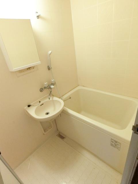 レジデンスコア 105号室の風呂