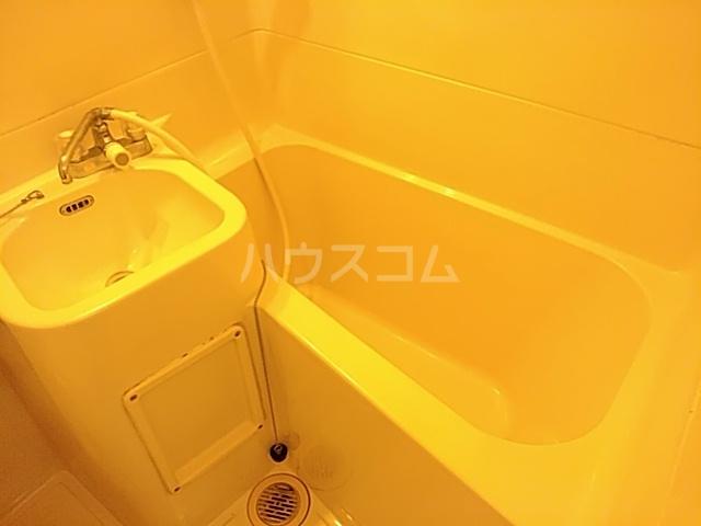ベルコート茨木 301号室の風呂