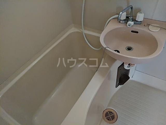 オプス正雀 301号室の風呂