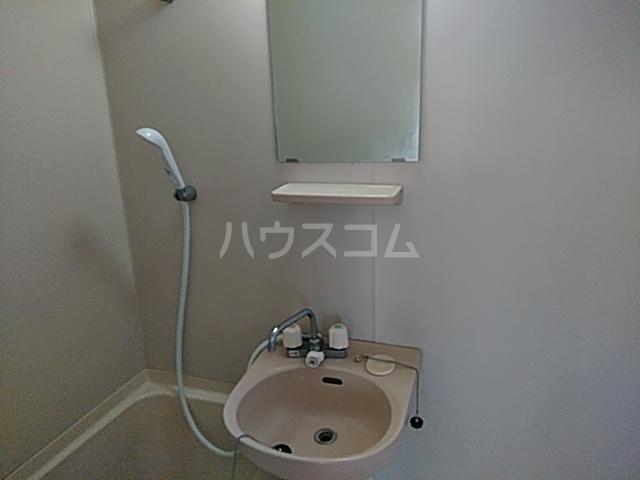 オプス正雀 301号室の洗面所