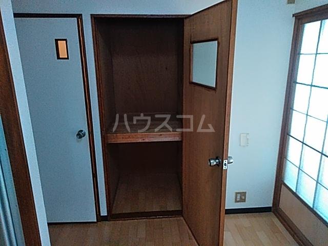 オプス正雀 301号室の収納