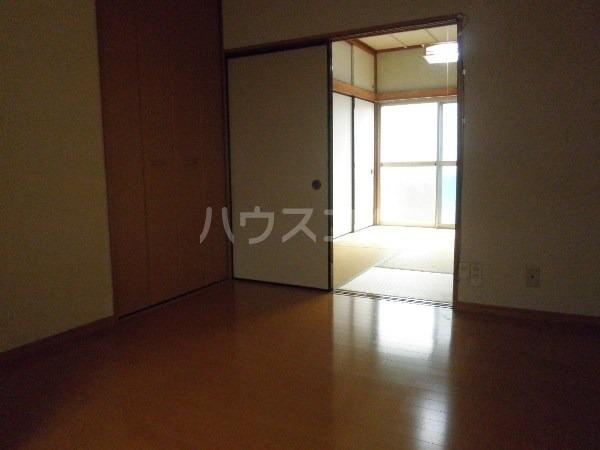 青羽荘 203号室のリビング