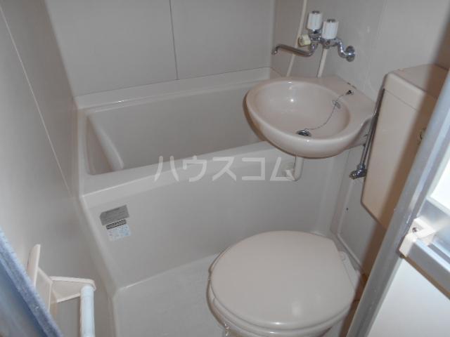 リード豊田 109号室の洗面所