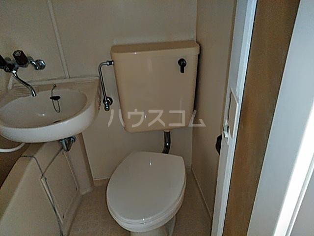 グリーンハイツ 207号室のトイレ