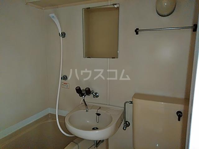 グリーンハイツ 207号室の洗面所