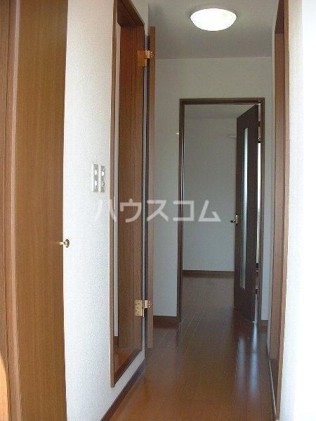 アンプルール ブワ My 203号室の居室