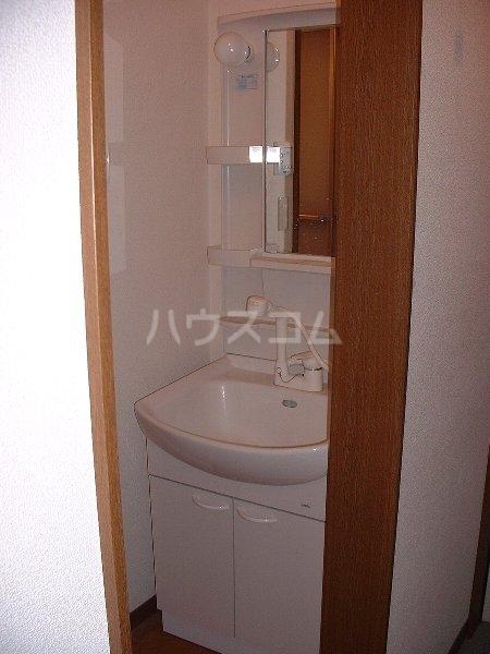 アンプルール ブワ My 203号室の洗面所