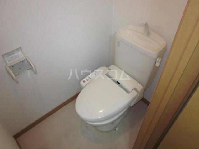 ベルメゾン E号室のトイレ