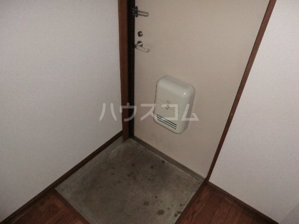 ファイン町田 201号室の玄関