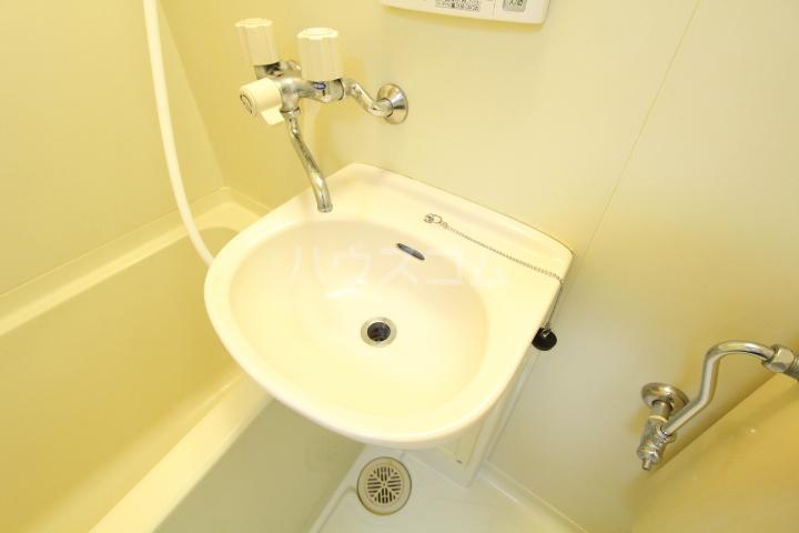 タートル21 407号室の洗面所