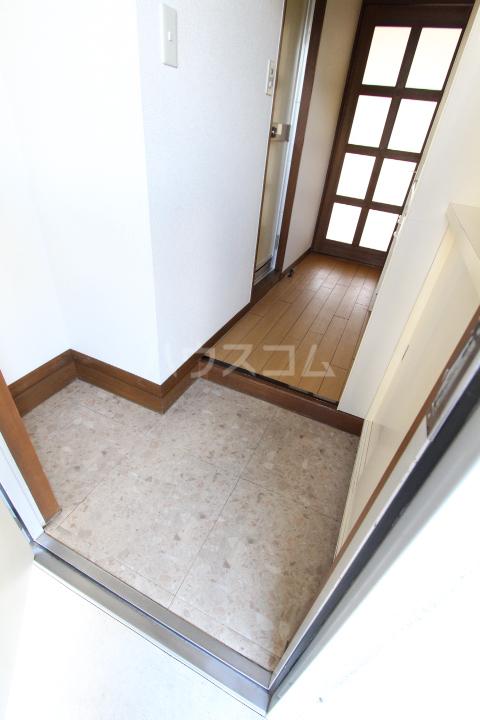 タートル21 407号室の玄関