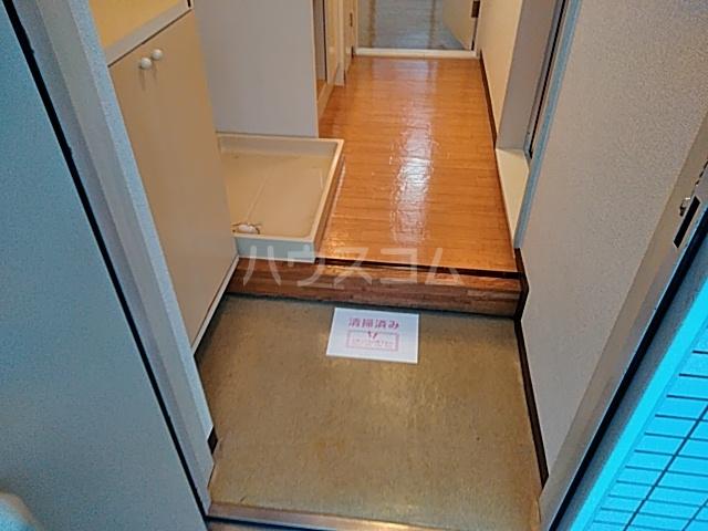 パレス富岡 204号室の玄関