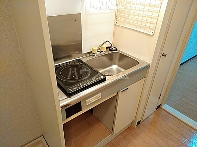 パレス富岡 204号室のキッチン