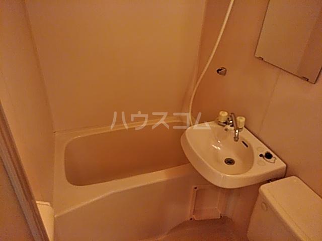 パレス富岡 204号室の風呂