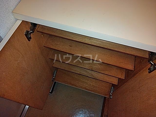 パレス富岡 204号室の収納