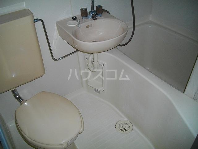 シャトーハイツのろ 205号室の風呂